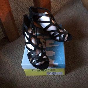 CityClassified Lovato-S Black Sandals